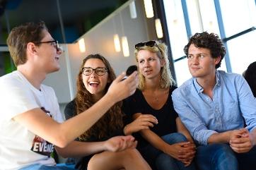 Hoogleraar student dating beleid