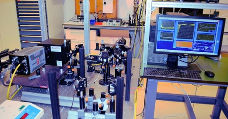 Lab MOlecular Photonics